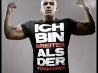 """Majoe erklimmt mit """"BADT"""" die Top 3 in Österreich"""