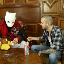 Cro kennenlernen Cro kennenlernen und ihm die Maske... - Cro trägt keine Pandamaske ...